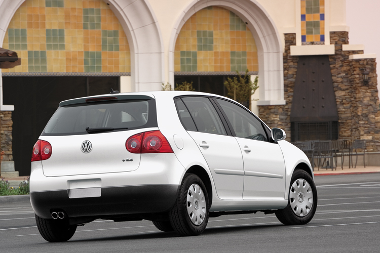 2007 vw rabbit new but not noticeable the car family. Black Bedroom Furniture Sets. Home Design Ideas