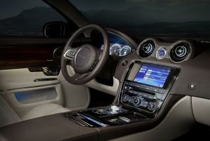 xj_12my_interior_0101022011_01_LowRes